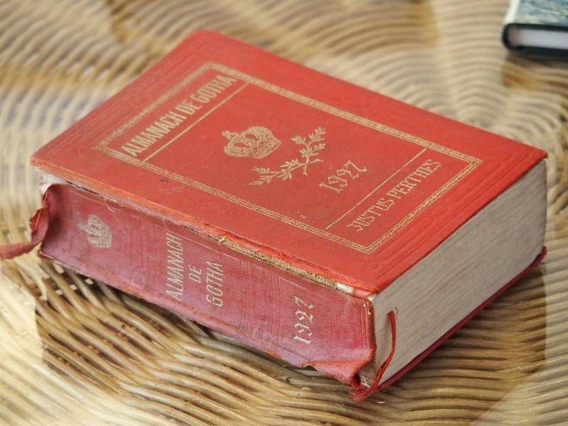 - Almanach de Gotha. Annuaire généalogique diplomatique et statistique 1927