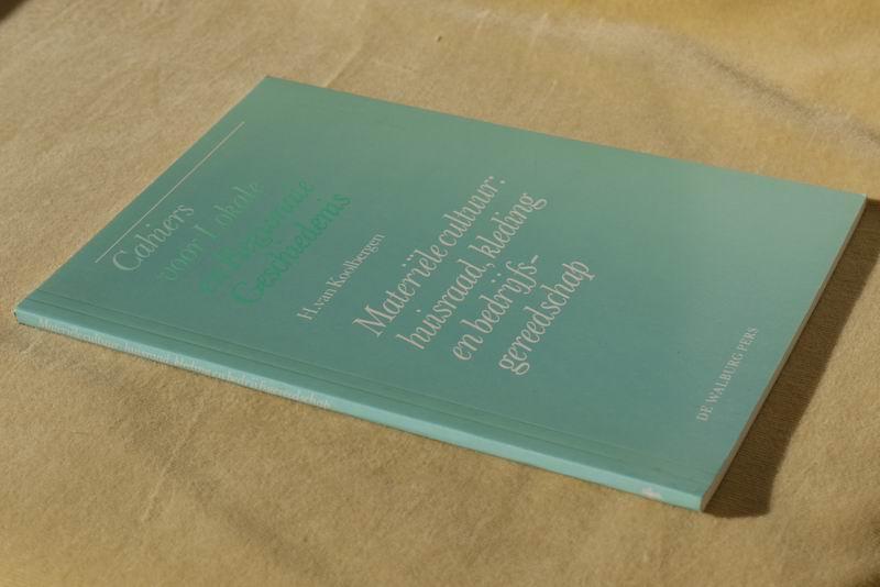 Koolbergen H. v. - Materiële cultuur: huisraad, kleding en bedrijfsgereedschap