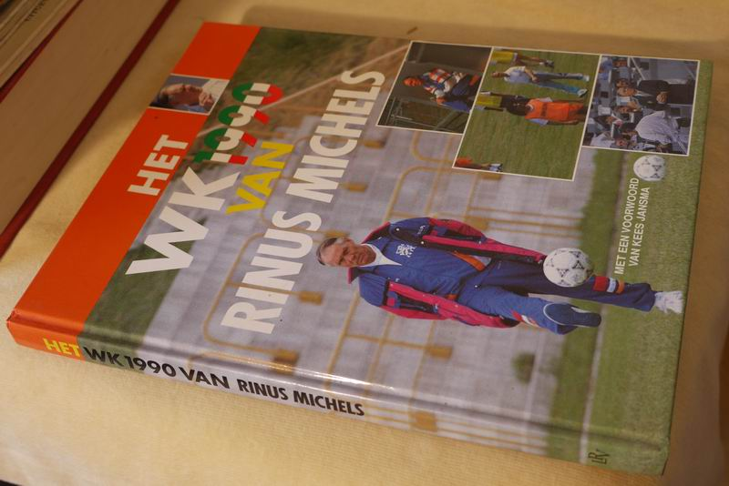 Timmerman A.  (red) - Het WK 1990 van Rinus Michels
